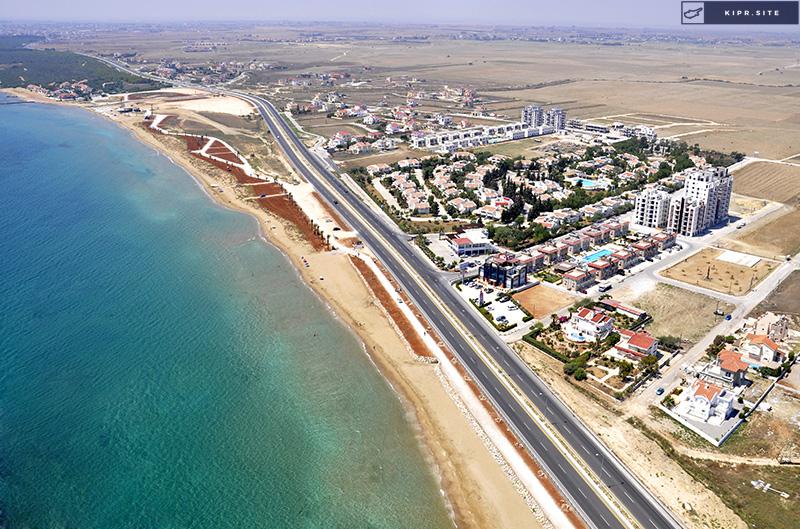 Жилой Комплекс находится всего в нескольких минутах ходьбы от прекрасного побережья в Искеле на Северном Кипре.