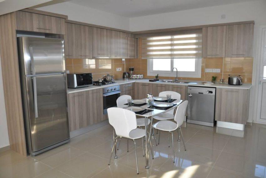 """Резиденция """"Королевское Солнце"""" в нескольких минутах ходьбы от Лонг Бич, Искеле на Северном Кипре."""