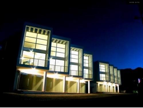 Зарекомендованный коммерческий комплекс на Северном Кипре.