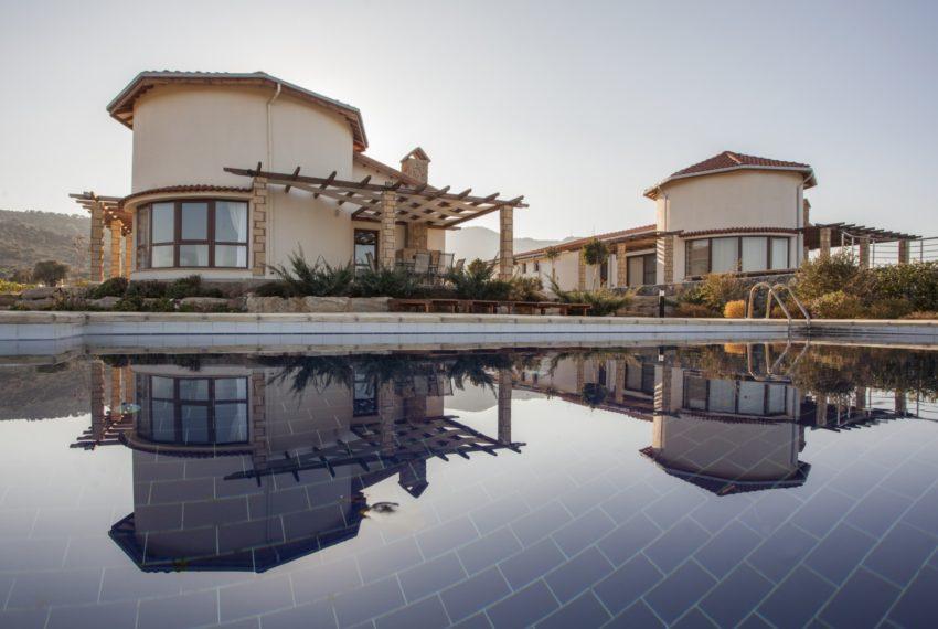Вилла с тремя двухместными спальнями в Каялар на Северном Кипре