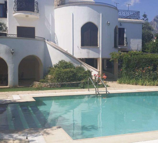 Вилла в престижном районе Гирне (Кирении) Северный Кипр.