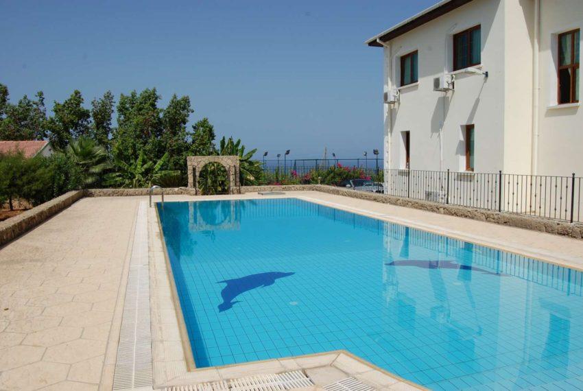 Дом с фантастическим видом на море и горы на Северном Кипре.