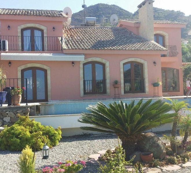 Представляем роскошную резиденцию класса люкс на Северном Кипре.