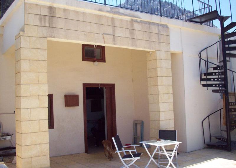 Двухкомнатный коттедж на Северном Кипре.