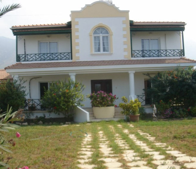 Полногабаритная вилла с 3 спальнями на Северном Кипре.