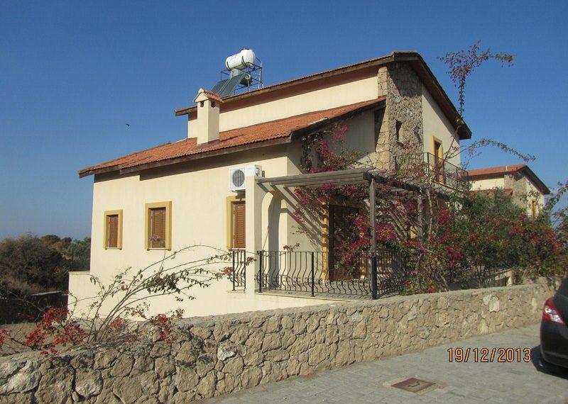 Вилла с 4 спальнями на Северном Кипре.