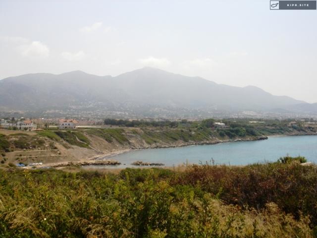 Участок под отель с частным пляжем на Северном Кипре.