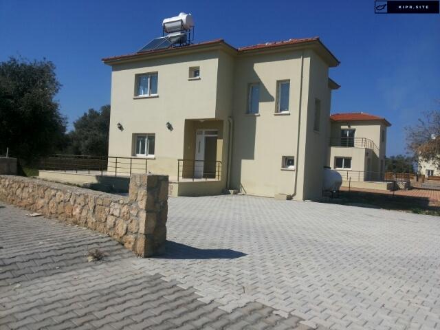 Продаются виллы в типичной средиземноморской деревне Эсентепе на Северном Кипре.