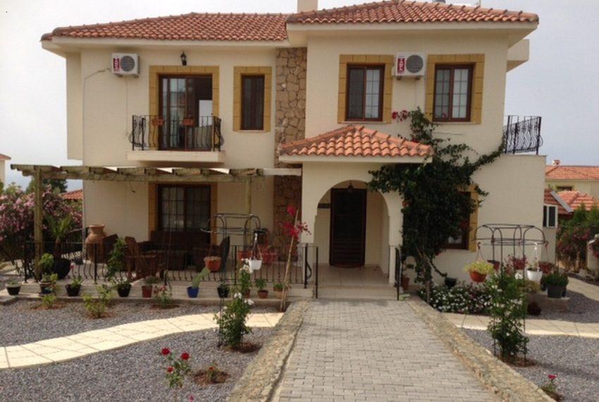 4-х комнатная вилла в 15 минутах езды к востоку от Кирении.