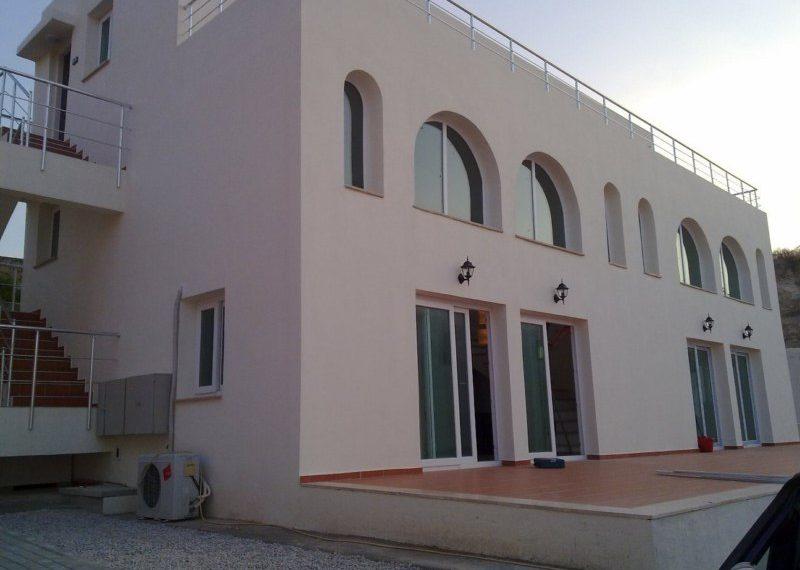 двухкомнатная мини-вилла с современным дизайном на Северном Кипре.