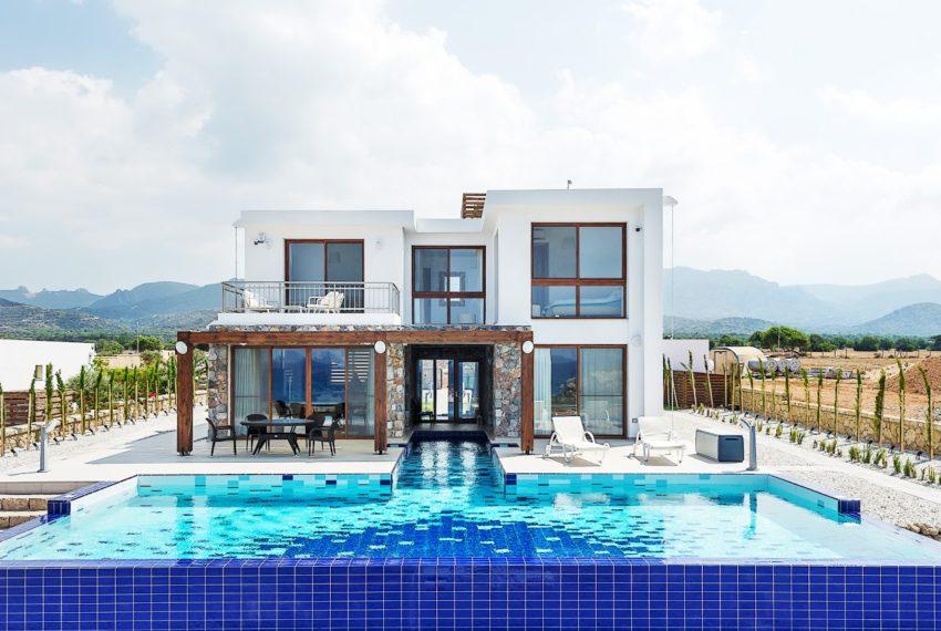 На ваш выбор Предлагаются виллы с 3 или 4 спальнями на Северном Кипре