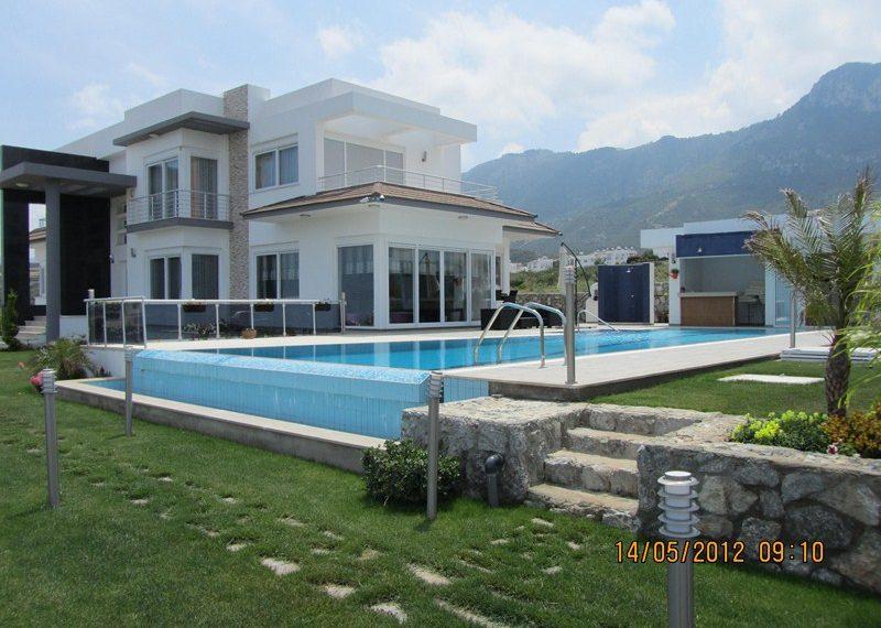 Вилла с эксклюзивным дизайном на Северном Кипре.