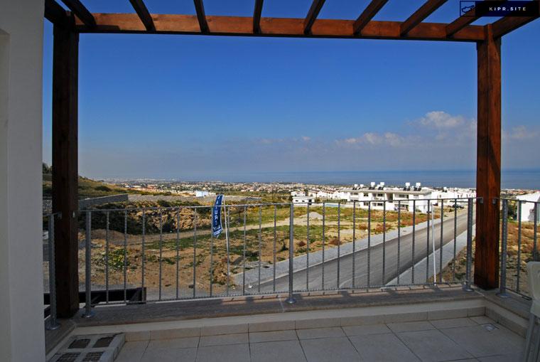 Коттедж с видом на море и горы на Северном Кипре.
