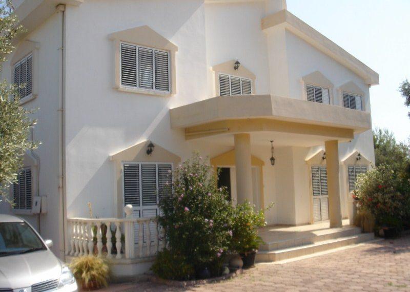 Роскошная вилла в районе Чаталкой на Северном Кипре.