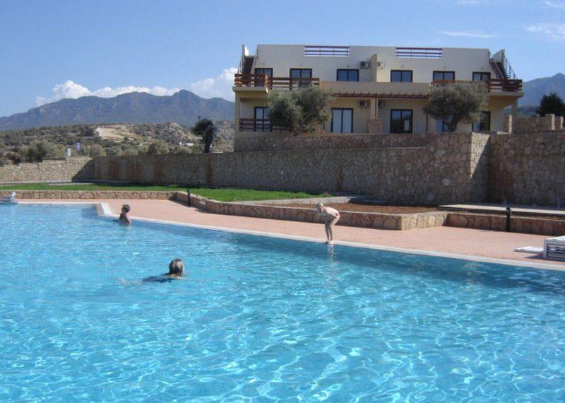 Квартира расположена в Turquoise Bay на Северном Кипре.