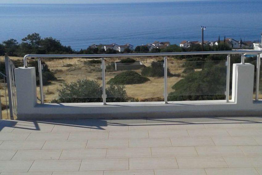 Квартира в 10 минутах от центра Кирении на Северном Кипре.