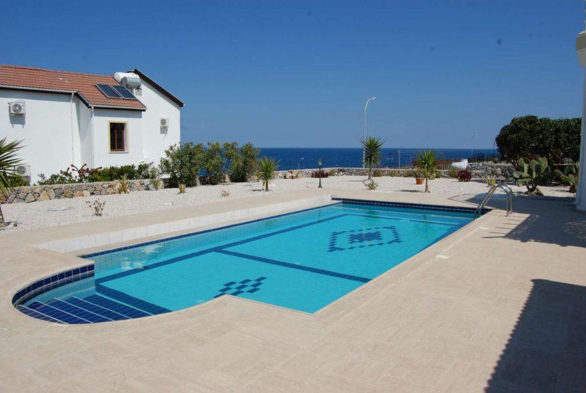 Наслаждайтесь закатом томящего солнца в своих новых апартаментах на Северном Кипре.