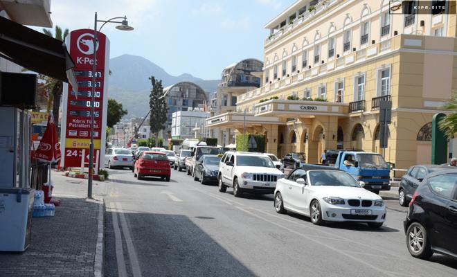 Передвижение на Северном Кипре исключительно левостороннее.
