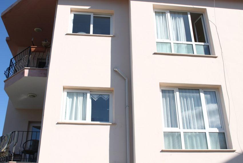 Меблированную квартира, с видом на горы и море на Северном Кипре.