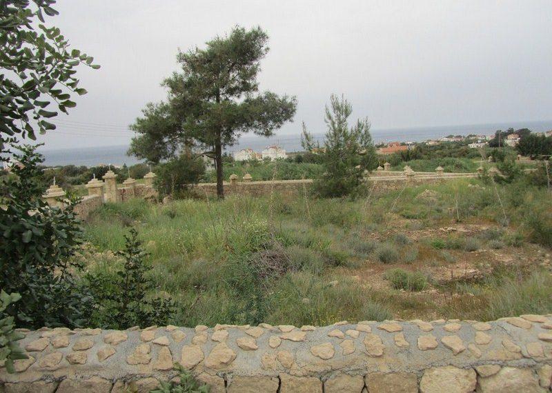 Участок с панорамным видом для двух этажной виллы на Северном Кипре
